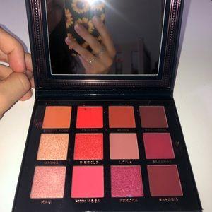 Ace Beaute Scarlet Dusk Palette